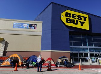 Shoppers at a Best Buy in Mesquite, Tex., camped out to be the first in line for deals like high-definition televisions for $200.