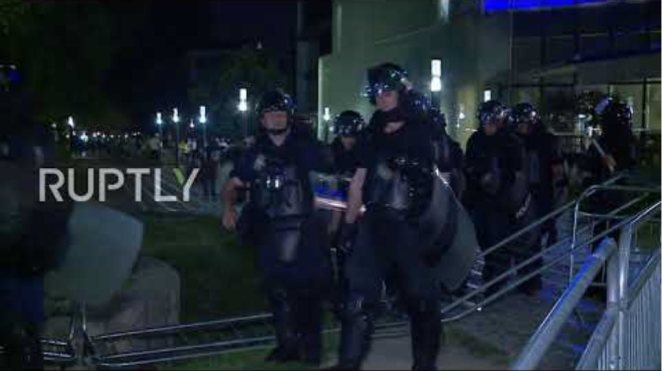 Albania: Police clash with anti-govt protesters as president cancels general elections
