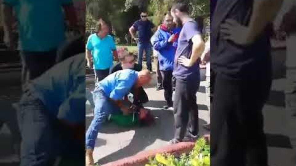 Μυτιλήνη: Νέο βίντεο από τη σύλληψη του ανήλικου Μαροκινού που έκλεψε κινητό