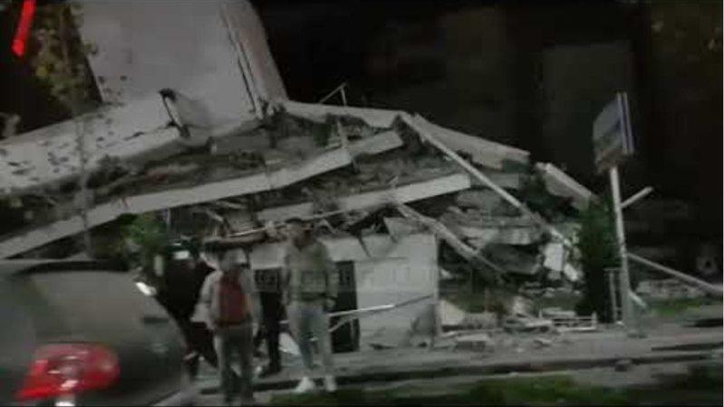 Tërmeti shemb ndërtesa në Durrës, ja pamjet e rënda