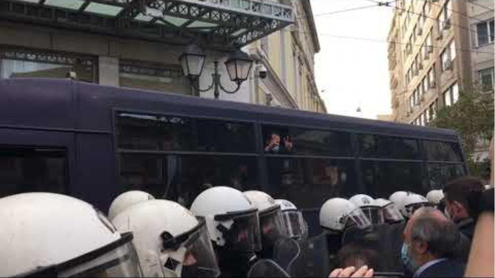 Βίντεο οι συλληφθέντες του ΚΚΕ προσαγωγές 5
