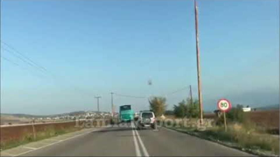 LamiaReport.gr: Επικίνδυνη οδήγηση λεωφορείου ΚΤΕΛ στην Καρπενησίου-Λαμίας