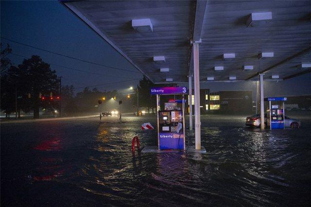 hurricane06