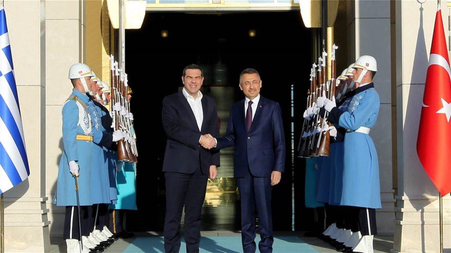 tsipras_agkria_main3