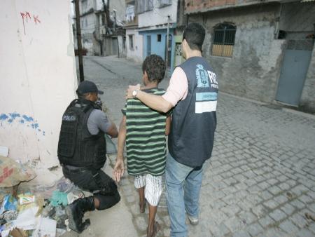 assistência social  - cajueiro - madureira - zona  norte - 15.07.2011