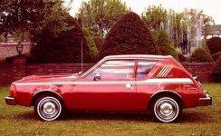 ... o nome dele éAMC Gremlin, fabricado entre 1960 e 1974,eleito um dos 50 piores carros de todos os tempos pela revista Time