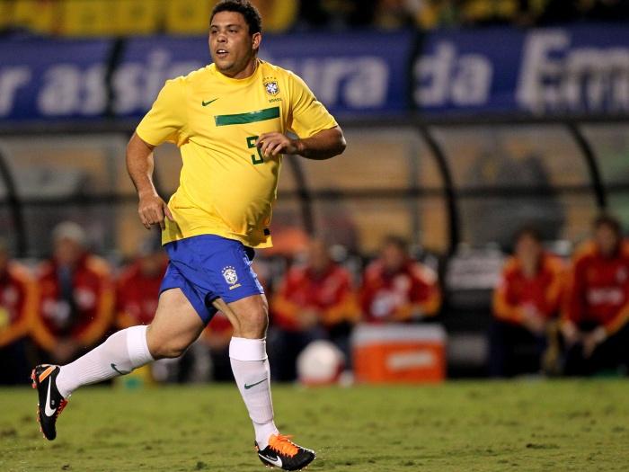 Ronaldo Fenômeno foi alvo de piada nesta semana por causa de sua saliente barriga. O atacante passou anos tentando entrar em forma, mas quando decidiu par...