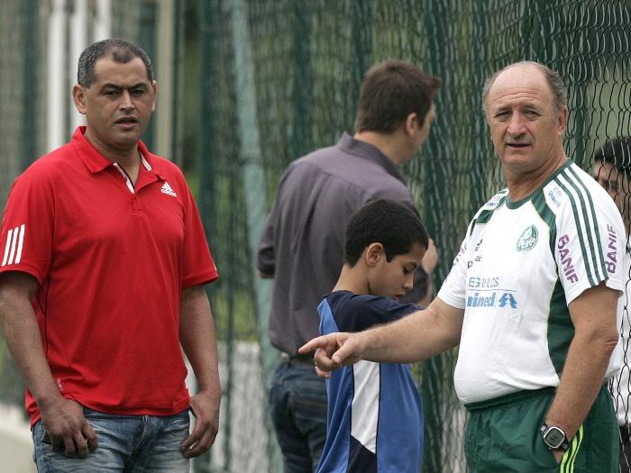 Atual treinador do Paraguai, o ex-lateral Arce fez, recentemente, um estágio no Palmeiras. Aprendeu com Felipão sobre futebol e mostrou que, assim como o t...