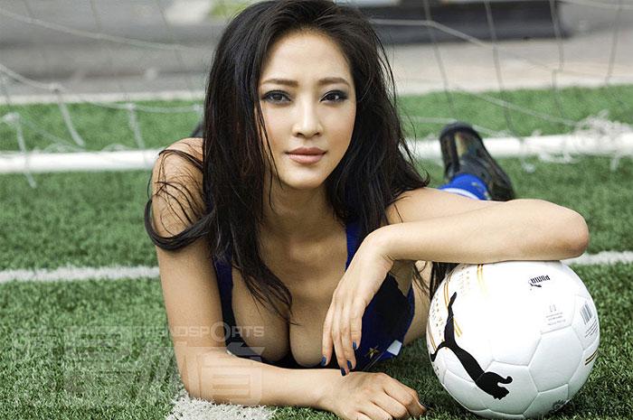 Confira também: Larissa Riquelme chinesa rouba a cena em jogo do Real