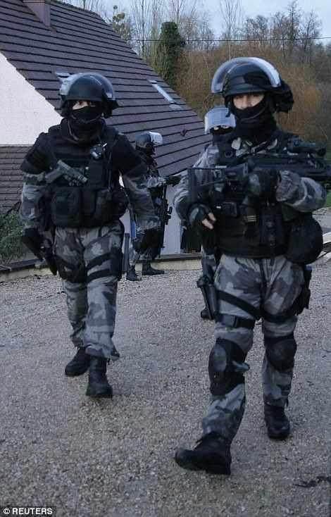 為什麼大部分國家的警察都配備「左輪手槍」? 這項功能太厲害! - 壹讀