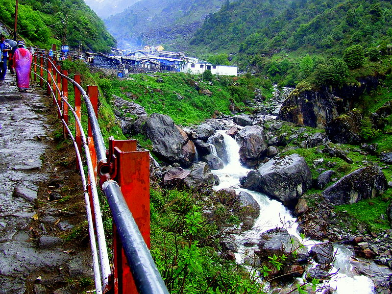 Trek towards Kedarnath - KedarNath, Uttarakhand