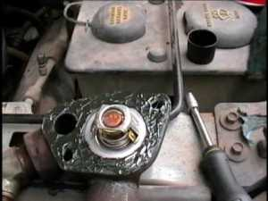 1992 Ford F150 Pickup thermostat replacement  YouTube
