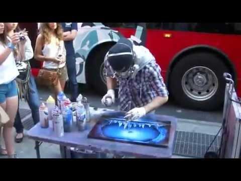 Spray paint art in New York City - YouTube