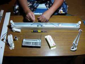 Converting A Fluorescent Light To 12v DC! (Solar Panel System)  YouTube