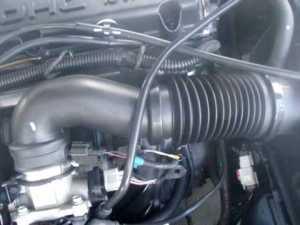 2005 Dodge Stratus SXT  Engine Sound GREAT 24L 4