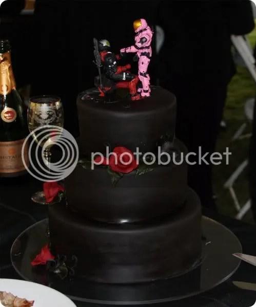 halo wedding cake