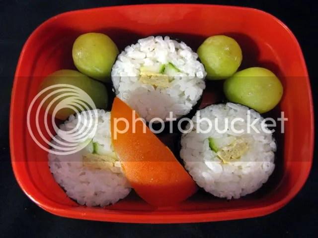 baby bento - sushi and tomato