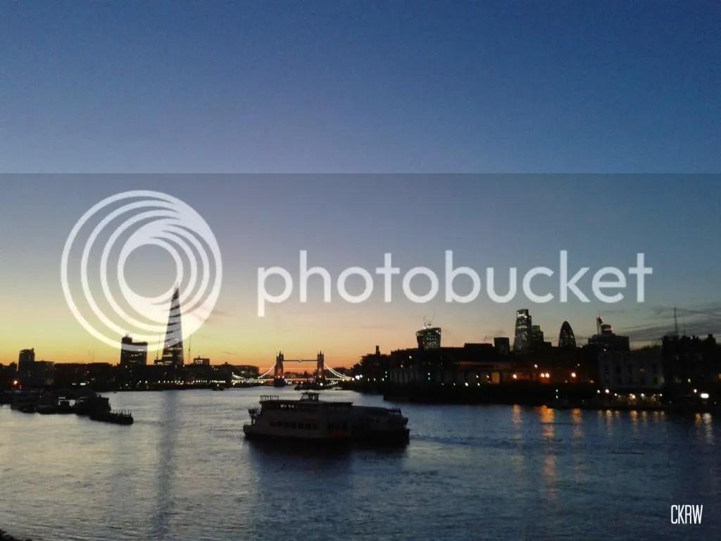 photo Thameswalk_zpsd16c8038.jpg