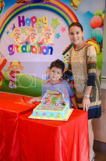 Milestones celebration with jollibee kids party mommy pehpot christine jacob sandejas and her son jaime celebrate his moving up from preschool to grade school with a jollibee kids party stopboris Choice Image