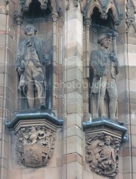 Hume and Smith statues