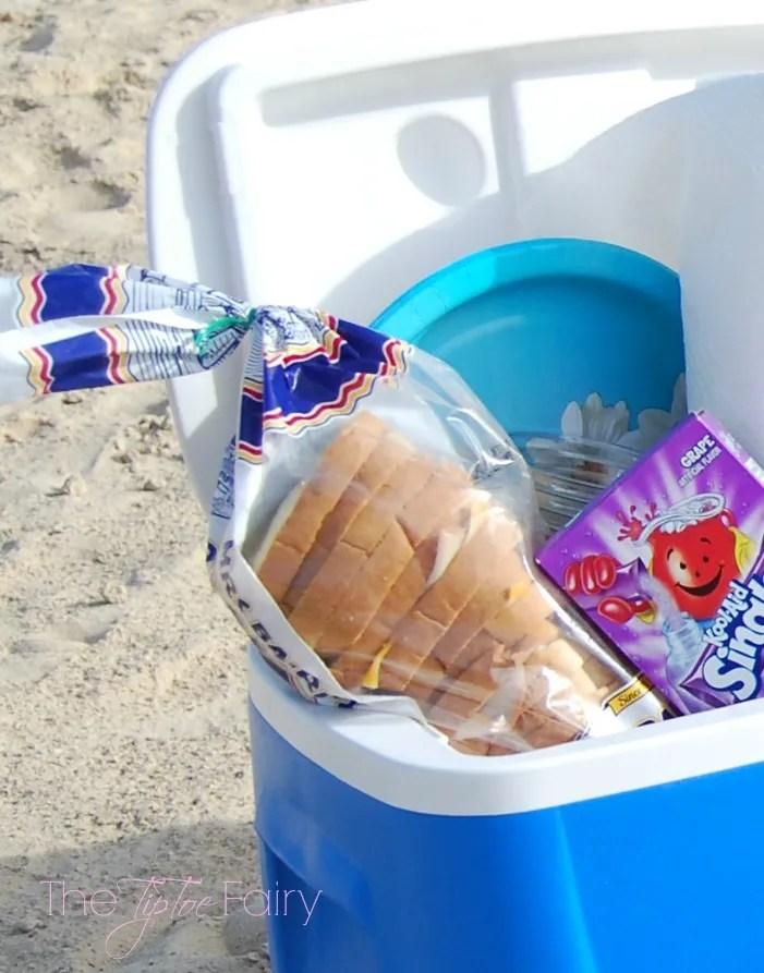 Beach Picnic with Kool-Aid #KoolOff #CollectiveBias #shop | The TipToe Fairy