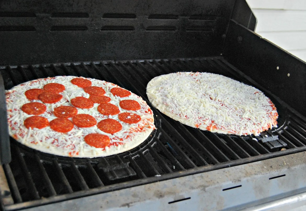 Summertime Drinks & Grilling Pizza #SummerGoodies #CollectiveBias #shop | The TipToe Fairy