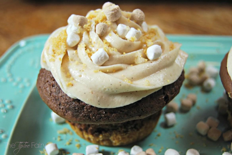 Smores Cupcakes   The TipToe Fairy #smores #cupcakes #smoresrecipes #cupcakerecipes