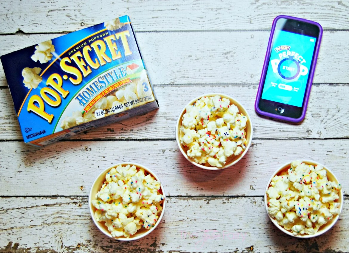 Use the Perfect Pop App to make some Polka Dot Popcorn | The TipToe Fairy #PerfectPop #GoodbyeBurnedPopcorn #sp #popcornrecipes