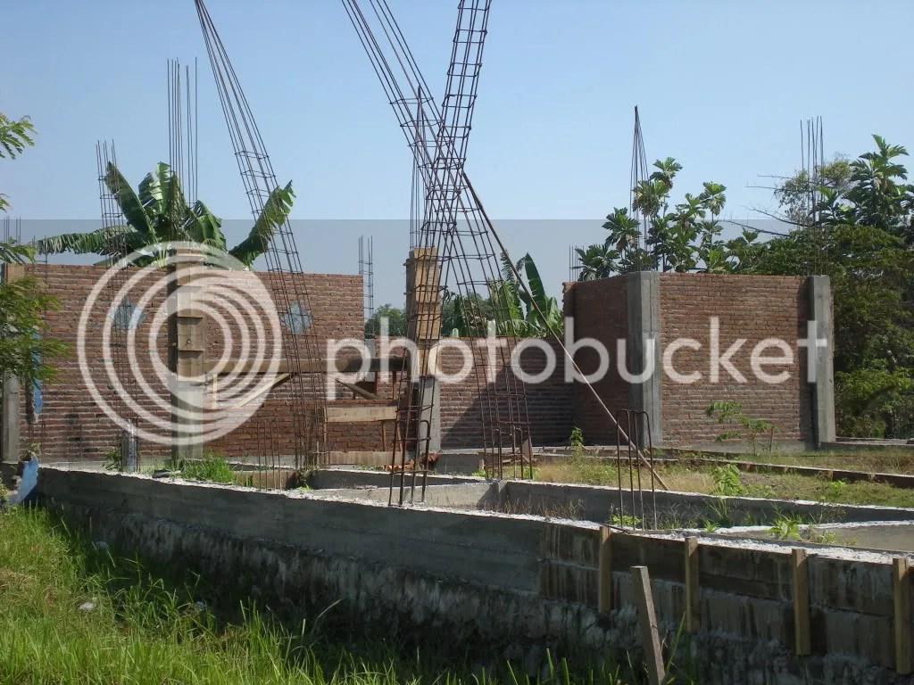 tahap pembangunan tembok Masjid Al-Hidayah c-opb