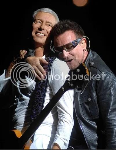 Bono y adam en Turín, U2 360 tour