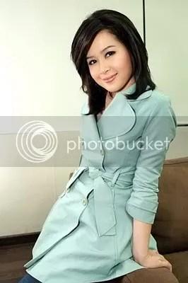 wanita, cantik, presenter, pembawa, berita indonesia