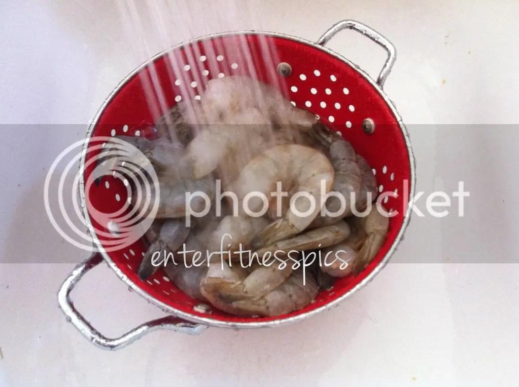rinsing shrimp