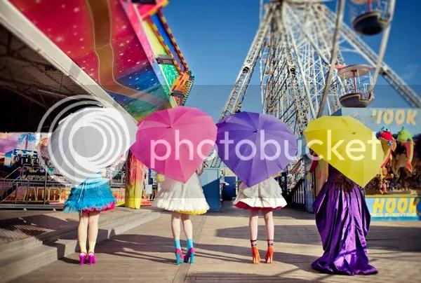 photo paraguasdecolores_zps843b0f42.jpg