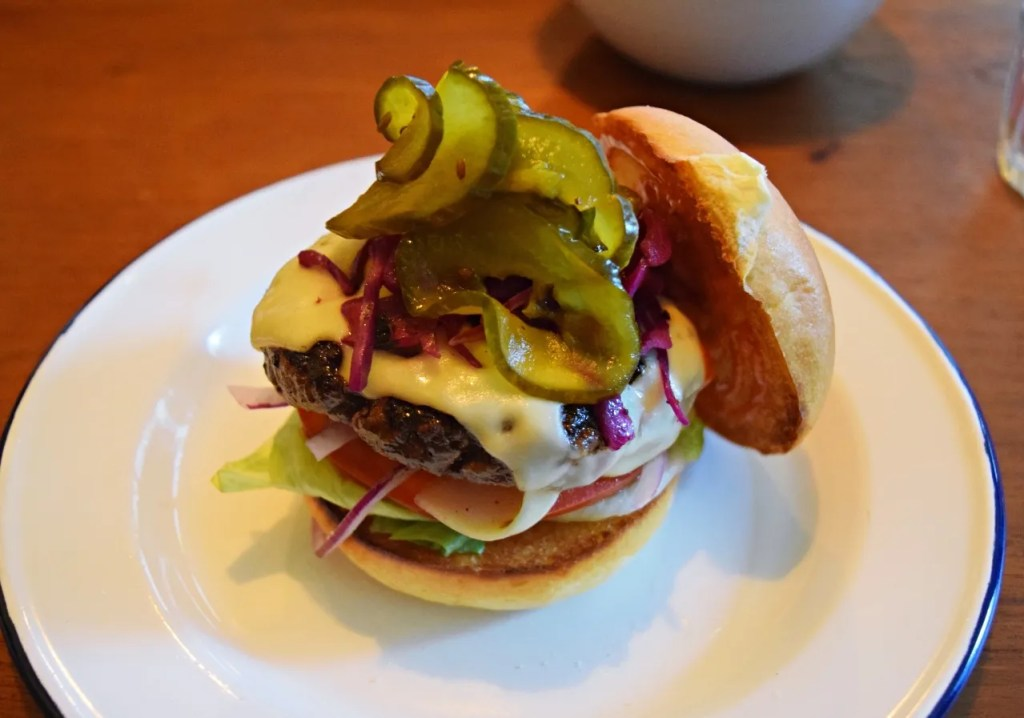 Burger at one sixty city review