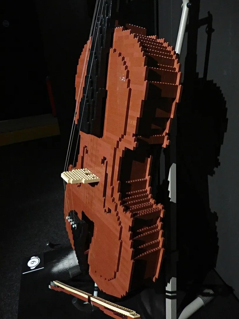 Cello in LEGO bricks