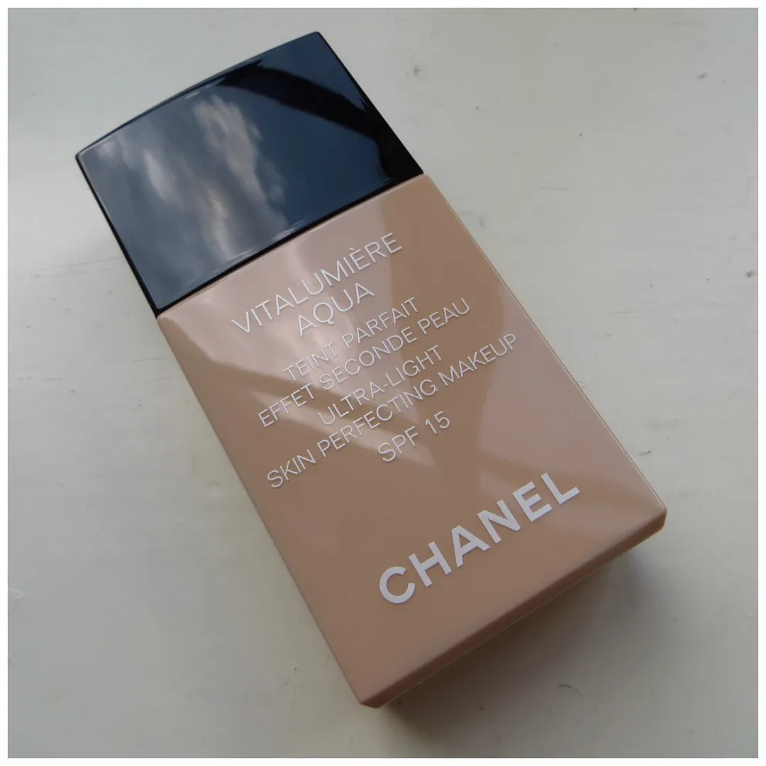 Chanel Vitalumière Aqua Ultra-Light Skin Perfecting Makeup 12 Beige Rosé review