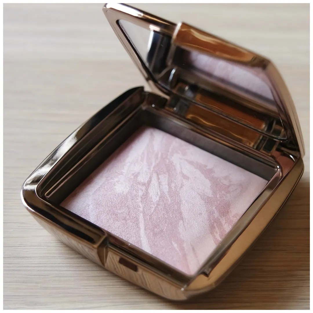 Hourglass Ambient Lighting Blush Strobe Light Powder Mood Exposure Iridescent Strobe Light Review Swatch