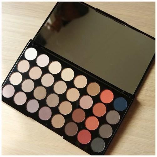 Make Up Revolution Flawless Matte 2 eyeshadow palette