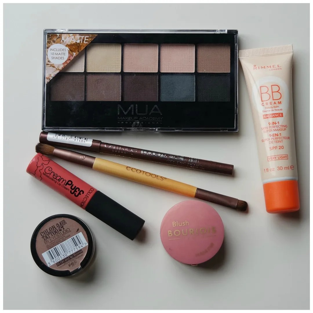 Travel friendly make up
