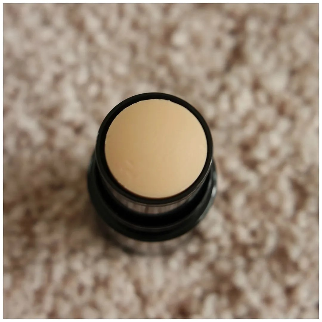 catrice insta to go blur stick review concealer blurring swatch