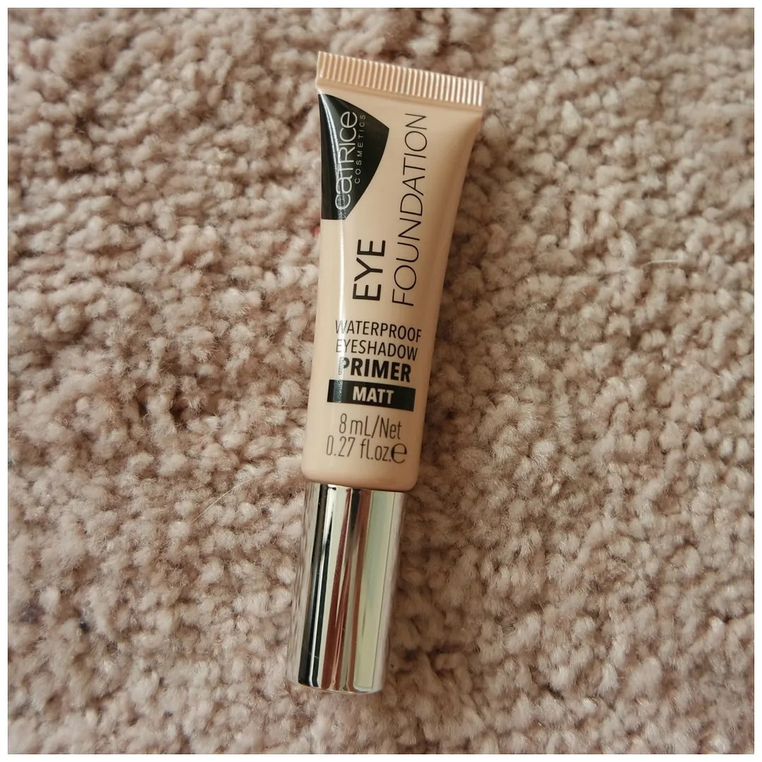 Catrice eye foundation waterproof eyeshadow primer matt review swatch