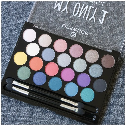 essence my only 1 eyeshadow palette review swatch