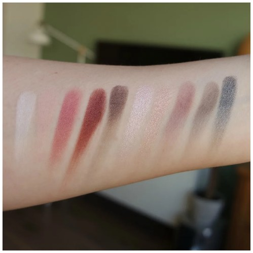 essence in love with rose eyeshadow palette box 02 & happily ever after review swatch