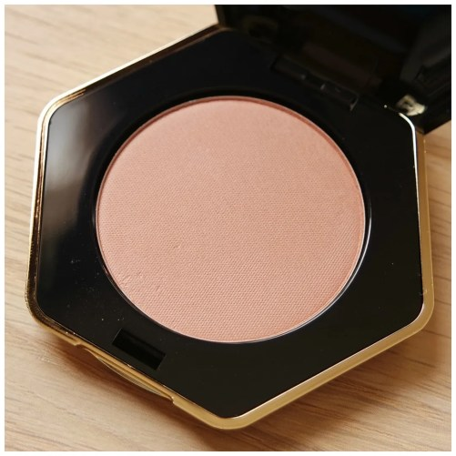 H&M beauty blush review swatch cantaloupe tawny peach