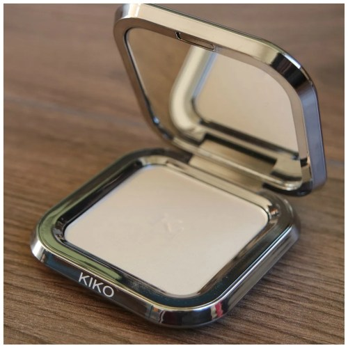 Kiko glow fusion highlighter 01 brilliant champagne review swatch