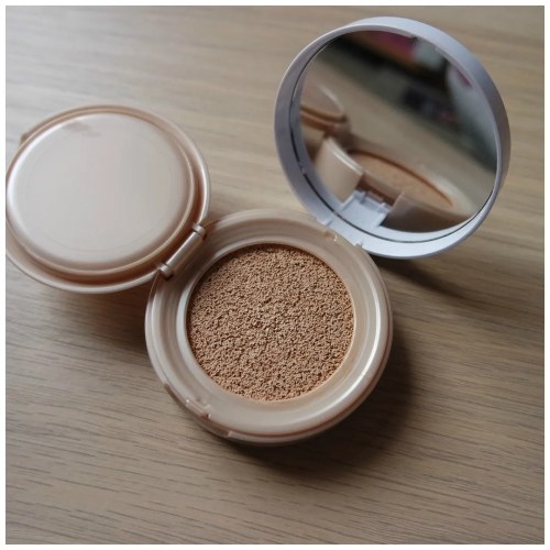 maybelline dream cushion foundation 10 porcelain review swatch