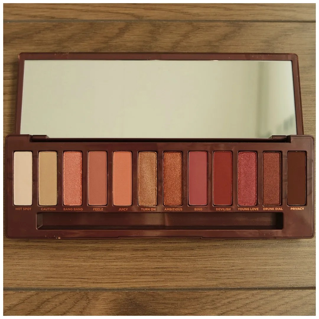 urban decay naked cherry eyeshadow palette review swatch