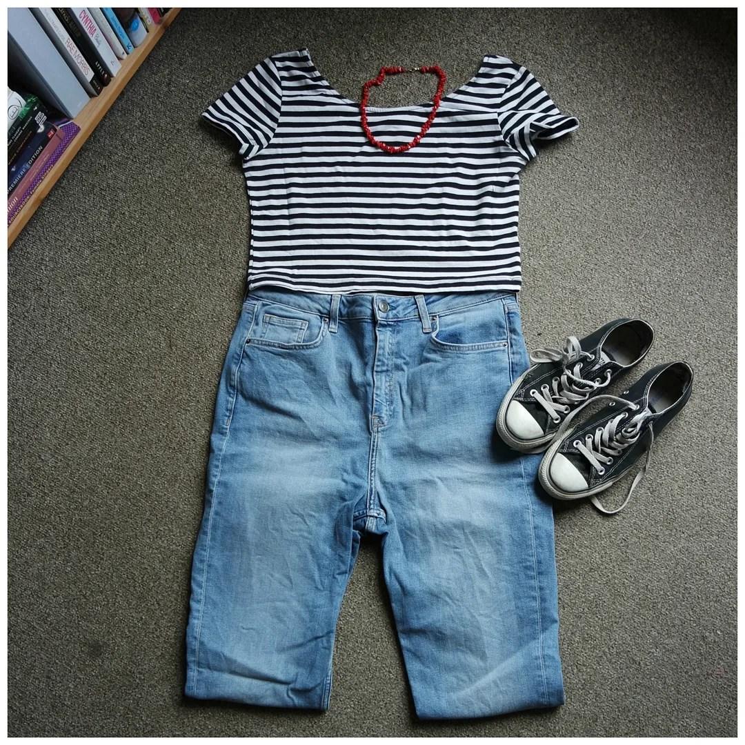 5x jeans & t-shirt combos