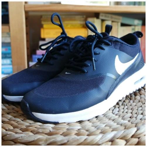 nike thea air max sneakers