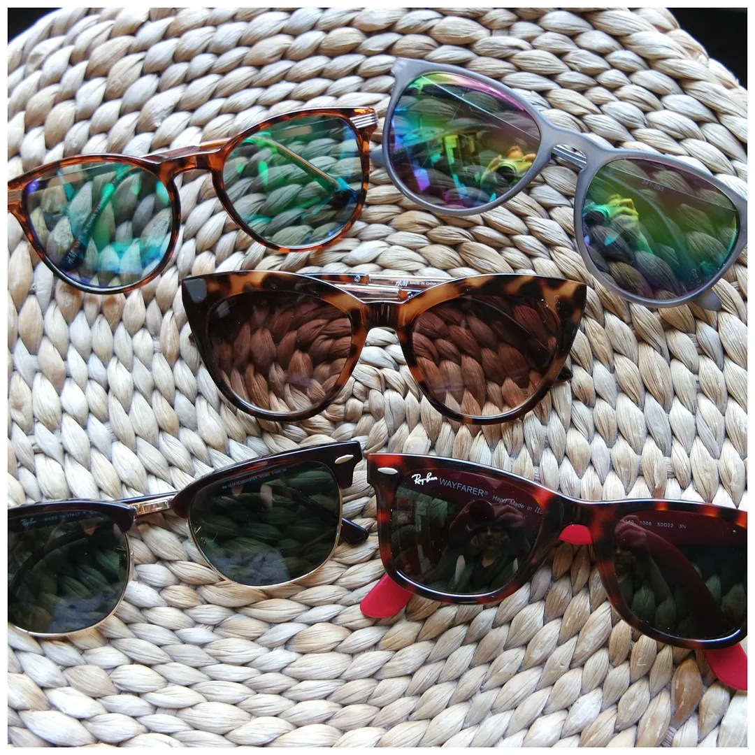 photo mostwornsunglasses1_zpsp9g8va4g.jpg